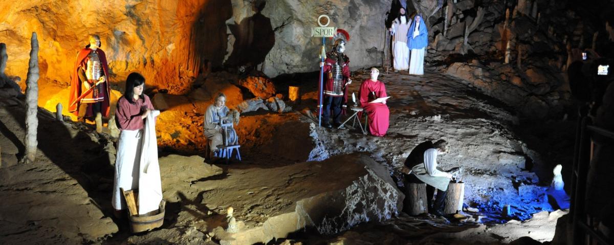 IL PRESEPE VIVENTE NELLE GROTTE DI POSTUMIA E MERCATINI A LUBIANA